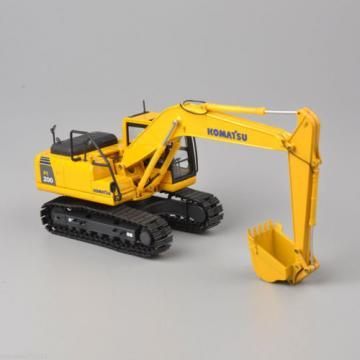 NEW Komatsu PC200 Excavator 1:50 Scale DieCast Metal Model