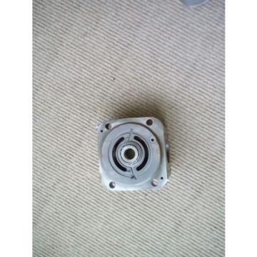 2 origin eaton 420 piston hydraulic pump end cover side port part 9900267-005