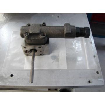 Eaton Vickers 9900224-002 Q Piston Pump Compensator Pressure with stroke limiter