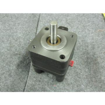 NEW CAT GEAR PUMP # 2040296 DELTA