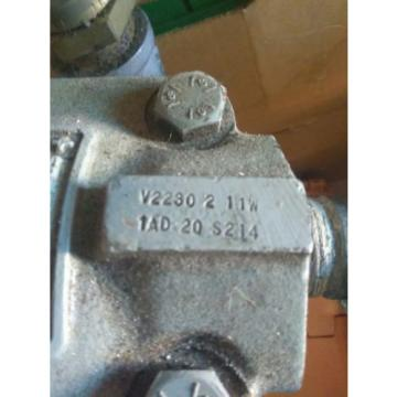 Vickers vane pump 2884865 v2230 2 11w  hydrologic oil fluid great condition
