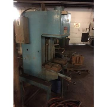 8 Ton Multi Press Model W4R80H Hydraulic C- Frame Press Denison