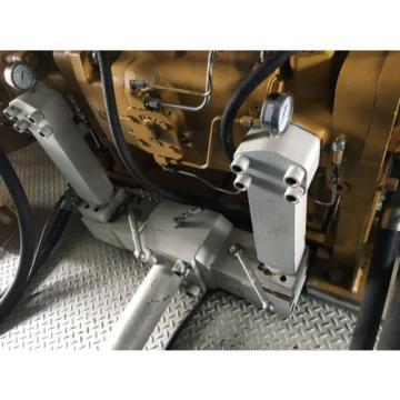 Manifold set for combining flows of inline Denison P30 pumps