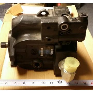 New Sauer Danfoss Hydraulic Pump L38  Model #7004613S