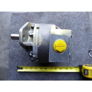 NEW SAUER DANFOSS HYDRAULIC GEAR PUMP 41299