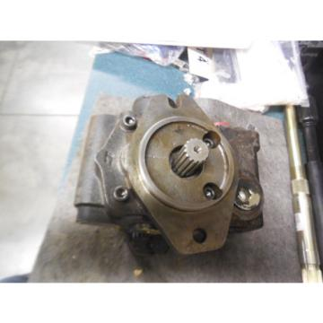 NEW CASE 401363A2 HYDRAULIC PUMP 337-9202-007 PARKER COMMERCIAL
