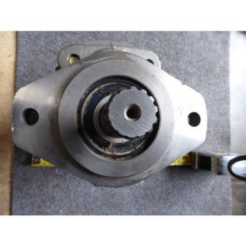 NEW PERMCO HYDRAULIC PUMP # M5000A7861DZA206
