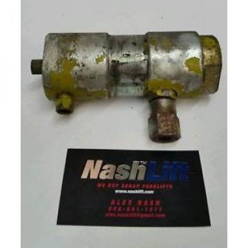 2351790u Used Clark Forklift Valve In Good Condition 2351790