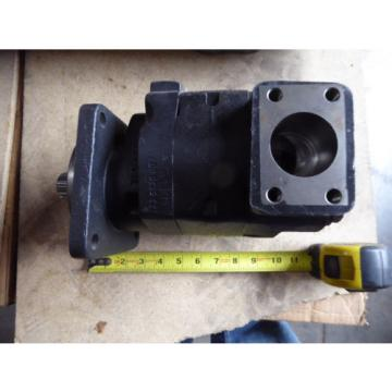 NEW PARKER COMMERCIAL HYDRAULIC PUMP 323-9111-228 # 3239111228