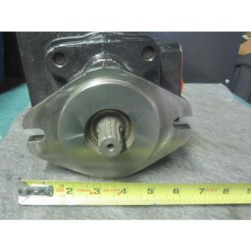 NEW PARKER COMMERCIAL HYDRAULIC PUMP # 324-9529-068