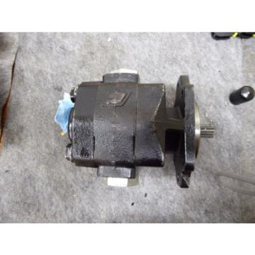 NEW PARKER COMMERCIAL HYDRAULIC PUMP CAST # 308-5050-002