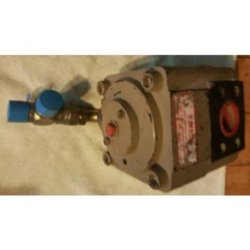 IMO 32012LDW CIG SERIES 4000PSI MAX GEAR HYDRAULIC PUMP 03404C