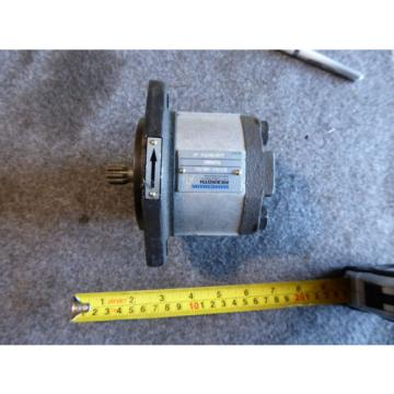NEW MANNESMANN REXROTH GEAR PUMP 1PF2G2-40B/04 LRR19MR