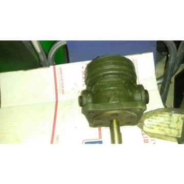 VICKERS HYDRAULIC  PUMP V-104-Y-10 V104Y