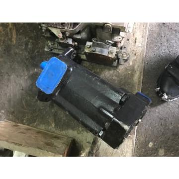 Origin Eaton Vickers 2520V14A5 1AB22R Hydraulic Pump