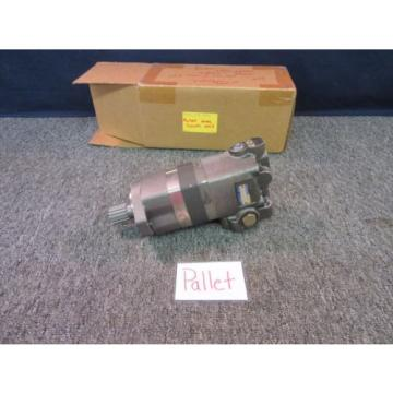 EATON CHAR-LYNN HYDRAULIC MOTOR PUMP 46-03 104-2020-001 MILITARY SURPLUS Origin