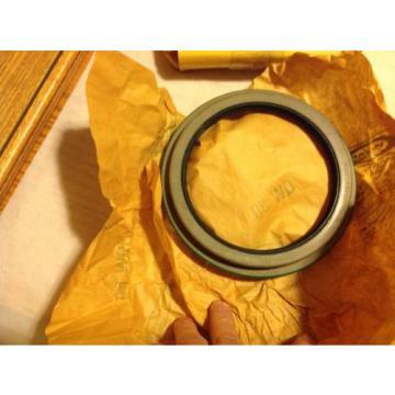 Komatsu, Oil Seal 615438c91 New OEM NOS