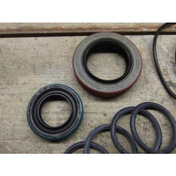 KOMATSU DRESSER 939715C1 SEAL KIT! NAT: 470163, CR 14413  NEW SURPLUS!!