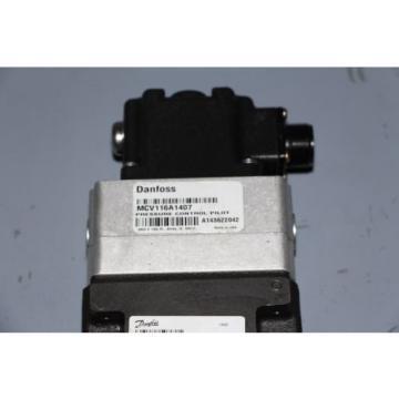 New Sauer Danfoss Flow Control Servo Valve KVFBA7206 w/ MCV116A1407 Pilot