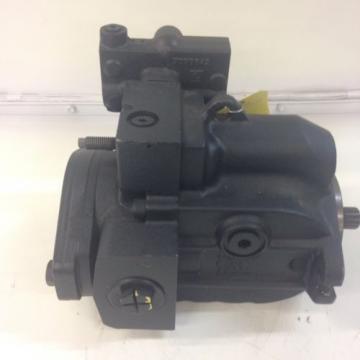 Sauer Danfoss Hydraulic Piston Pump, Model #: LRR03DLS2014NNN3C2BGA6NAAANNNNNN