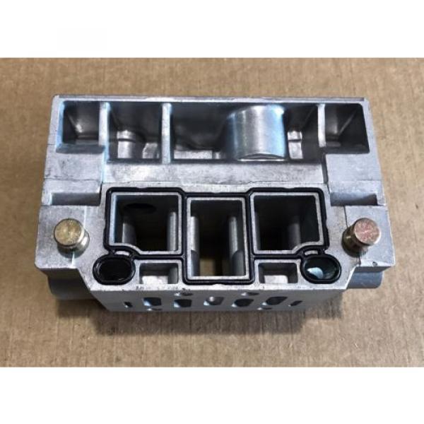 P68430 Korea Singapore Ceram Valve Subplate Rexroth/Wabco/American Standard #2 image