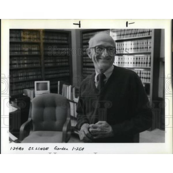 1990 Press Photo Hans A. Linde Oregon Supreme Court - ora51871 #1 image