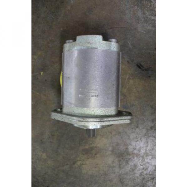 """NOS India Germany REXROTH 9510490010 FD109 HYDRAULIC PUMP 1-1/2"""" NPT INLET 1-1/4"""" NPT OUTLET #3 image"""