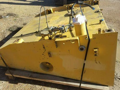Komatsu WA700 Fuel Tank