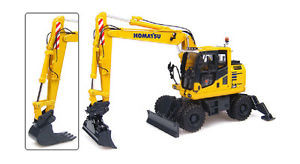 Komatsu PW148-10 Wheeled Excavator - 1:50 Scale by Universal Hobbies