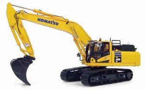 KOMATSU PC490LC-10 MINING EXCAVATOR - 1:50 Scale by Universal Hobbies