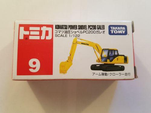 1 122 Komatsu Power Shovel PC200 by Takara Tomy