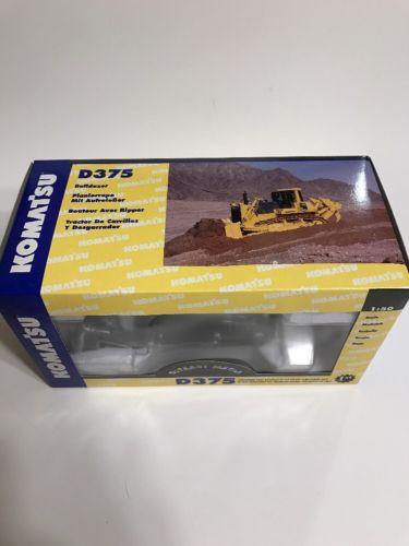 First Gear Komatsu D375 Bulldozer 1/50 Scale