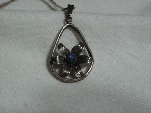 ...Sterling Silver,Linde/Lindy Blue Star Sapphire Flower Pendant Necklace...