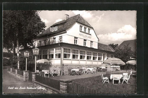 schöne AK Neuhaus, Hotel Zur Linde mit Gartenansicht 1958
