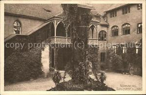 71494111 Nuernberg Schlosshof mit alter Linde Nuernberg