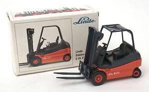 Conrad 1:25 Linde Elektro-Stapler E25 Fork Lift Truck No.2985 * MIB *