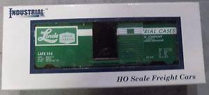 Industrial HO Scale Sliding Door Boxcar Linde LAPX 353