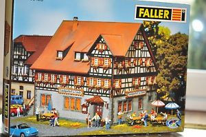 Faller 130428 Landgasthof zur Linde unbenutzt wie neu