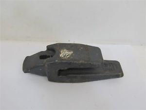 Bucket Tooth 20T-70-72310, Komatsu