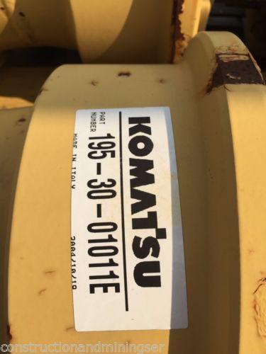 NEW KOMATSU D375-3 and D375-2 Single Flange Roller OEM Parts