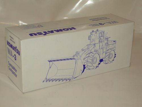 Conrad Komatsu Compactor WF 450-3 Neu NEW ORIGINAL BOX 1:50
