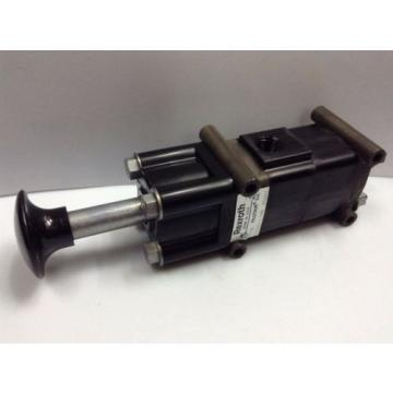 PD-020031-00500 Japan Singapore Rexroth Type 'D' Pilotair® 2 Way Push/ Spring Air Valve, 1/4""