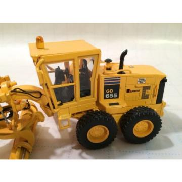 First Gear Conrad NZG Komatsu GD655 motorgrader with Snow Wing and V plow