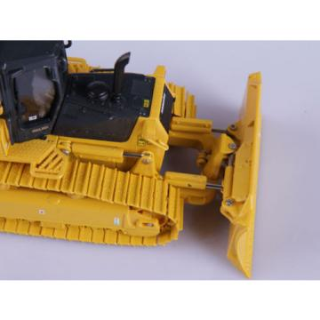 1:50 DieCast Komatsu D61EX Construction Universal Hobbies Collection UH8000
