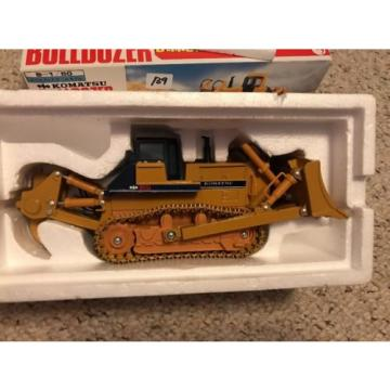 New Komatsu Bulldozer D475A 1/50 Scale Mini Power Wide Box