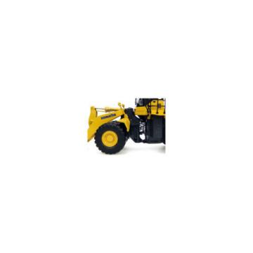 Universal Hobbies UH 8008 Komatsu WA600-6 Four Wheel Loader Diecast Scale 1:50