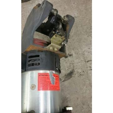 Fahrmotor Antriebsmotor Motor Getriebe für Linde T20 Niederhubwagen 24Volt