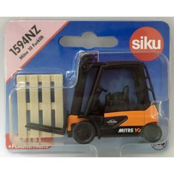 Siku 1594NZ Linde Mitre 10 Forklift Truck with Pallet - New Zealand Promo