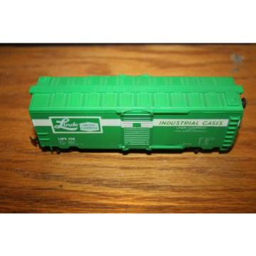 HO  LINDE INDUSTRIAL CHEMICAL 40' Box Car #8558 Life-Like  -  used