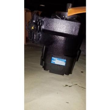 Oilgear Hydraulic Pump w/Load Sense Module